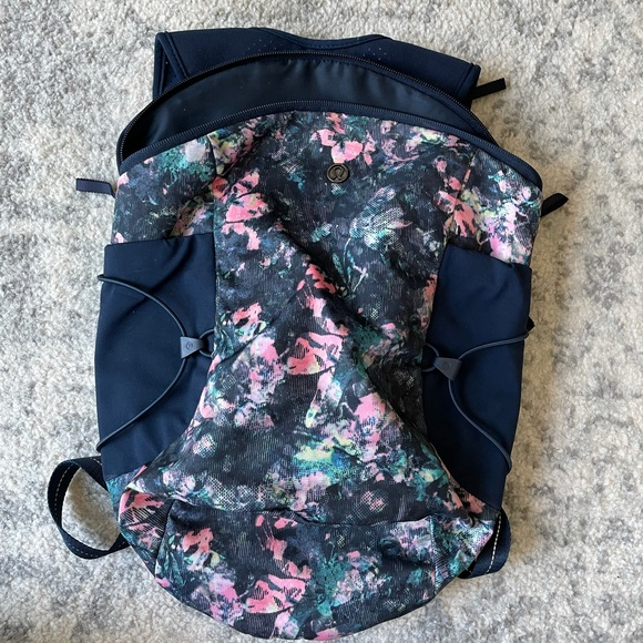 Lululemon running backpack
